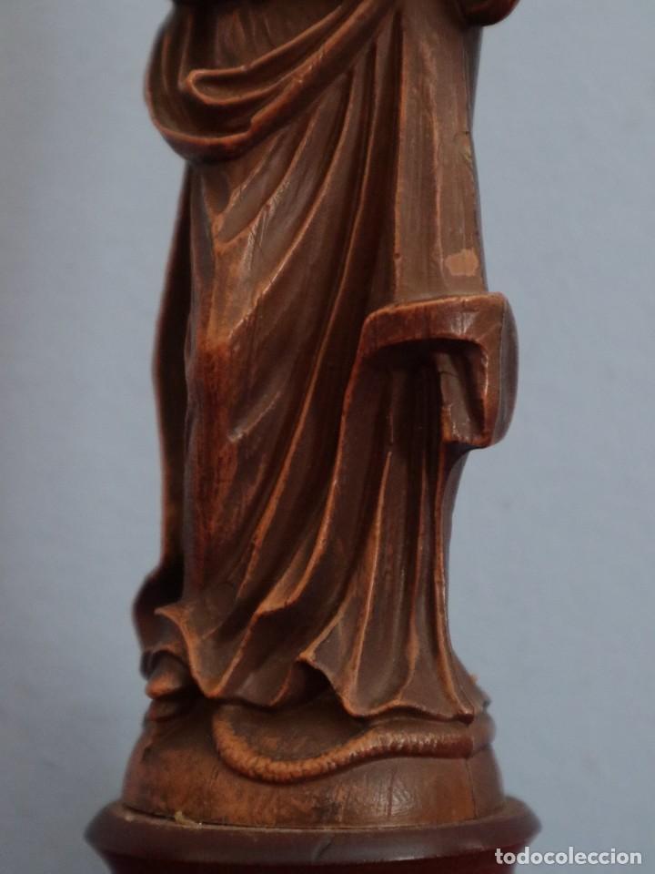 Joyeria: Virgen con Niño. Imagen de pequeñas dimensiones de madera tallada. S. XX. Mide 17 cm. - Foto 15 - 254447730