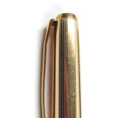 Bolígrafos antiguos: BOLÍGRAFO PELIKAN 30 ROLLED - GOLD. EN CAJITA. Lote 24590846