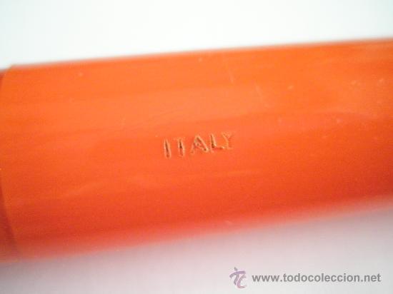 Bolígrafos antiguos: ENORME BOLÍGRAFO DE PLÁSTICO COLOR NARANJA-24 cms-ITALY-CURIOSO. - Foto 2 - 26637087