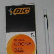 Bolígrafos antiguos: CAJA CON 12 BOLÍGRAFOS BIC DELUXE OFICINA NEGRO. Lote 90546573