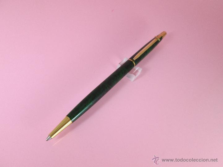 Bolígrafos antiguos: BOLÍGRAFO-SUIZO-CARAN D´ACHE MADISON-LACADO JASPEADO VERDE/NEGRO Y ORO-descatalogado-PERFECTO ESTAD0 - Foto 5 - 26243743