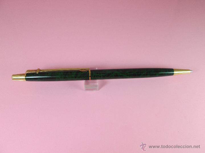 Bolígrafos antiguos: BOLÍGRAFO-SUIZO-CARAN D´ACHE MADISON-LACADO JASPEADO VERDE/NEGRO Y ORO-descatalogado-PERFECTO ESTAD0 - Foto 9 - 26243743