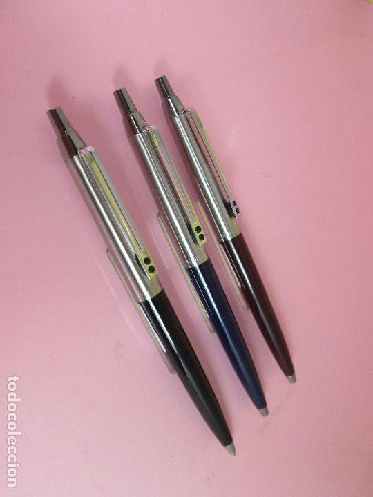 Bolígrafos antiguos: (7457)-LOTE 3 BOLÍGRAFOS-ESPAÑA-IXC(INOXCROM)-NEGRO,AZUL Y MARRÓN-NUEVOS-VER FOTOS. - Foto 9 - 62440324