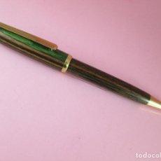 Bolígrafos antiguos: N5981-BOLÍGRAFO-SIN MARCA-MADERA-DISEÑO RAYAS VERDOSAS-PERFECTO ESTADO-PRECIOSO-VER FOTOS.. Lote 85097992