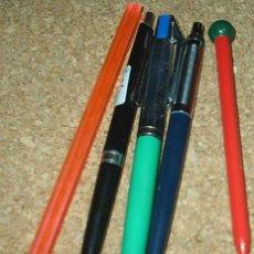 Bolígrafos antiguos: BOLIGRAFOS ORIGINALES ANTIGUOS, LOTE DE 4 Y UNA REGLA, AÑOS 60/70, OCASIÓN ¡¡. Lote 91351360