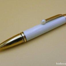 Bolígrafos antiguos: BOLIGRAFO MONTBLANC BOHEME LAQUER PERLA COLECCION BALLPOINT MONTBLANC BOHEME PEARL COLLECTION. Lote 94196750