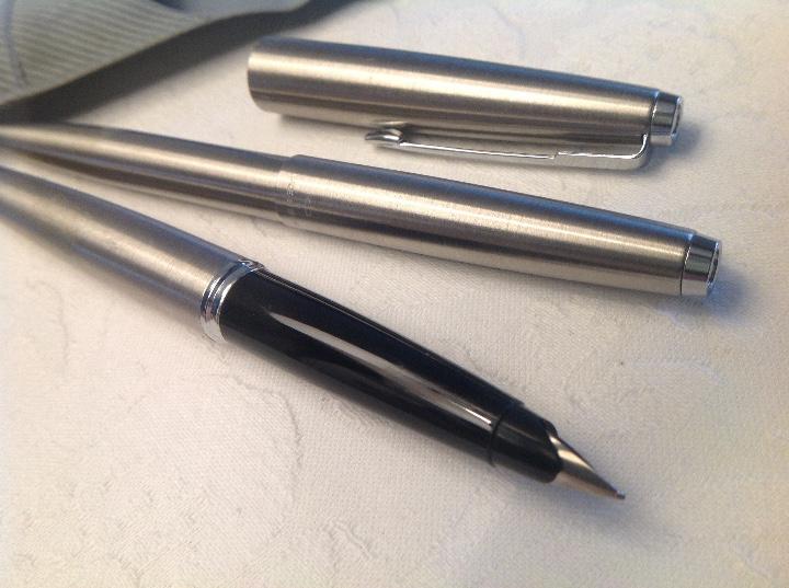 Bolígrafos antiguos: Dúo pluma y bolígrafo Parker plateado y negro - Foto 11 - 114784462