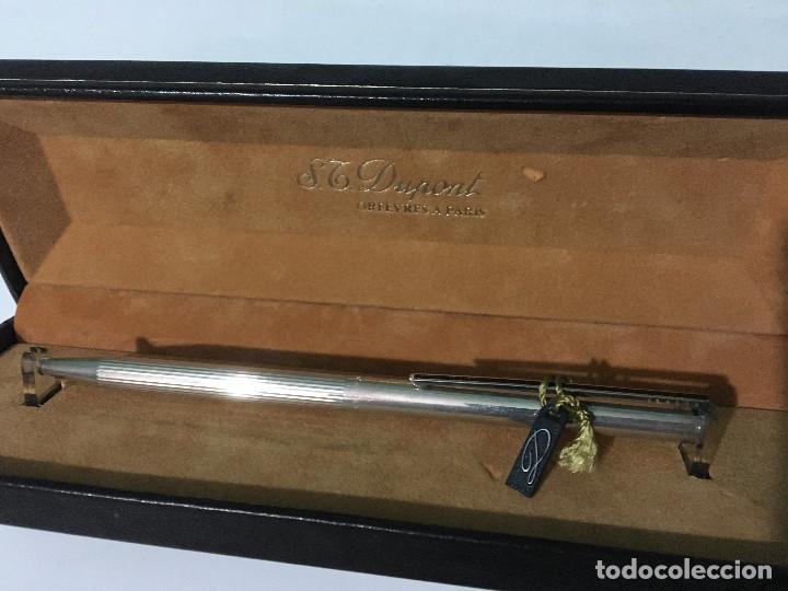 Bolígrafos antiguos: BOLIGRAFO S.T. DUPONT DE PLATA 925 CON SU CAJA Y ETIQUETA ORIGINAL - Foto 2 - 112563475