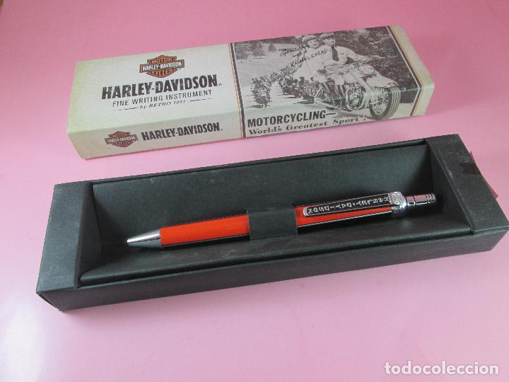 Bolígrafos antiguos: 1013-BOLIGRAFO-HARLEY DAVIDSON BY RETRO 1951-BLACK/ORANGR-CAJA-NUEVO-. - Foto 2 - 43810148
