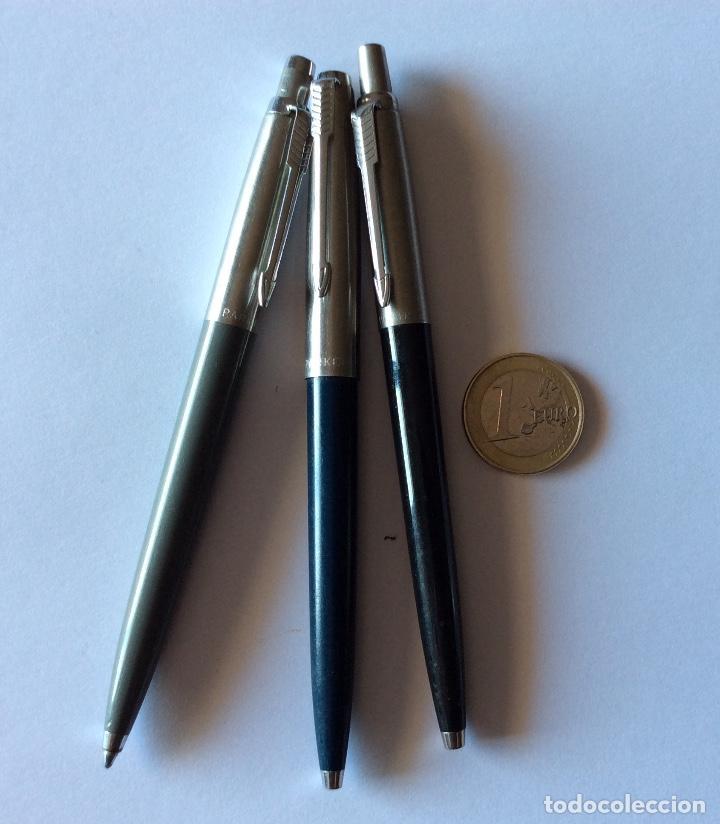 Bolígrafos antiguos: TRES BOLÍGRAFO PARKER MADE IN USA. NEGRO, GRIS Y AZUL OSCURO. - Foto 10 - 121713231