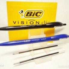 Bolígrafos antiguos: BIC, CONJUNTO DE 2 BOLIGRAFOS VISION CLIP AZUL Y NEGRO + RECAMBIOS. Lote 190387226