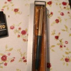 Bolígrafos antiguos: BOLIGRAFO-U.S.A.-PAPER MATE TALISMÁN DORADO Y VERDE . Lote 124261307
