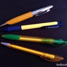 Bolígrafos antiguos: 4 BOLÍGRAFOS PUBLICIDAD LABORATORIO FARMACIA - CUERPO AMARILLO O CON DETALLES EN AMARILLO. Lote 133902842