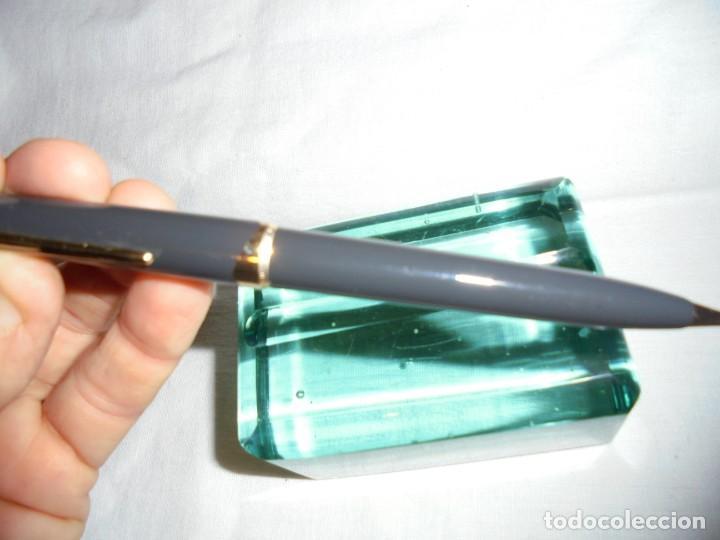 Bolígrafos antiguos: ANTIGUO BOLIGRAFO MONTBLANC 17 COLOR GRIS,MECANISMO DE PALANCA EN EL CLIP - Foto 3 - 134798250