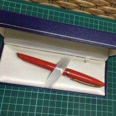 Bolígrafos antiguos: BOLÍGRAFO WATERMAN CARENE ORANGE. Lote 147399533