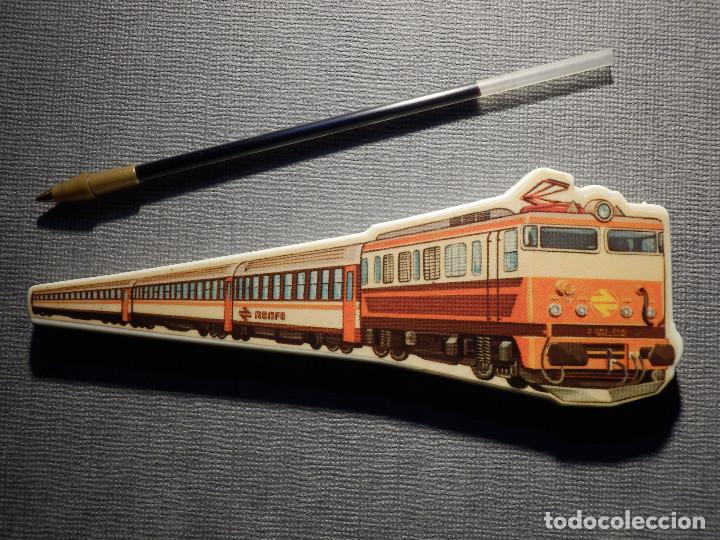 Bolígrafos antiguos: Bolígrafo - Renfe - Con forma de tren - Funciona con mina de un BIC - No pinta - 12,5 x 4 cm - - Foto 3 - 150504350