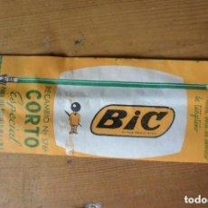 Bolígrafos antiguos: RECAMBIO Nº 576 CORTO ESPECIAL BOLIGRAFO BIC. TINTA VERDE FINA. Lote 158930654