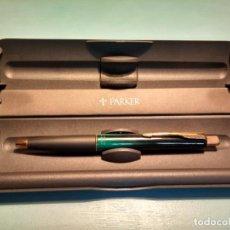 Bolígrafos antiguos: BOLÍGRAFO PARKER FRONTIER VERDE Y DORADO. Lote 161099606