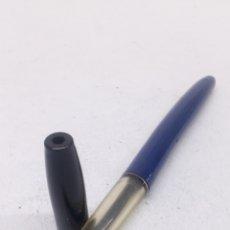 Bolígrafos antiguos: BOLÍGRAFO BIC LACADO AZUL. Lote 166867461