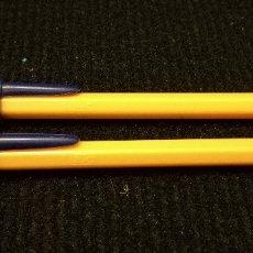 Bolígrafos antiguos: 2 BOLIGRAFOS BIC BOLI NARANJA AÑOS 80. CAPUCHON CERRADO. Lote 172149707
