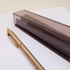 Bolígrafos antiguos: BOLÍGRAFO CHROMATIC CUERPO DORADO. Lote 182521026