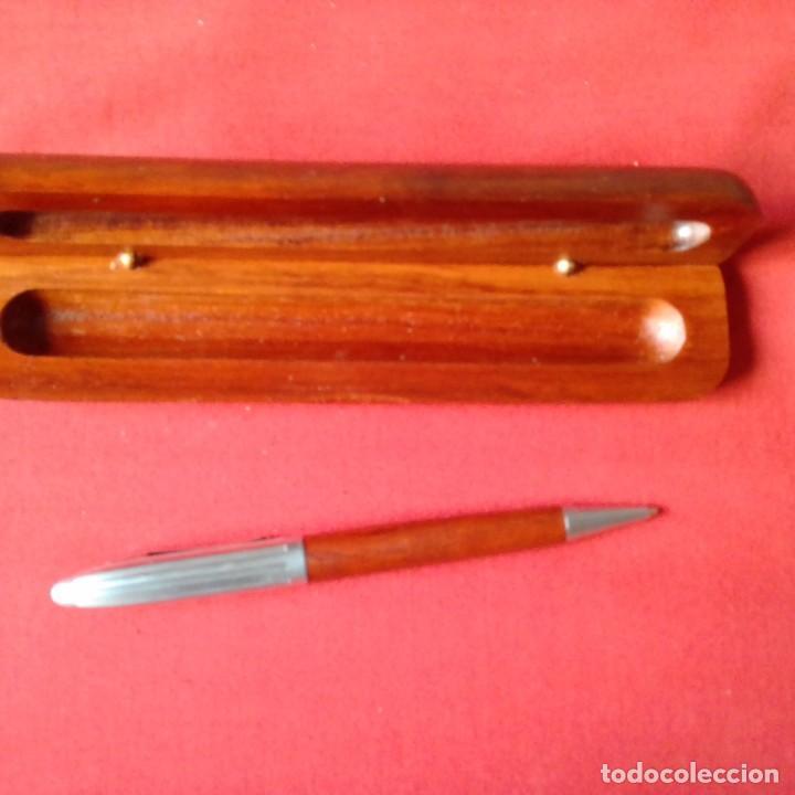 Bolígrafos antiguos: BOLIGRAFO PLATEADO Y MADERA EN ESTUCHE MADERA - Foto 3 - 203916360