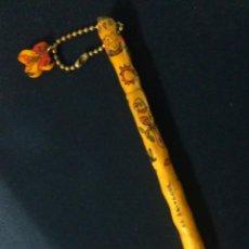 Bolígrafos antiguos: BOLIGRAFO MADERA EL SALVADOR. Lote 206795930
