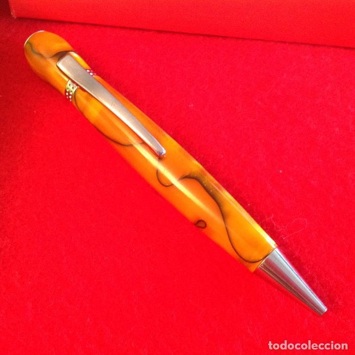Bolígrafos antiguos: Bolígrafo Inoxcrom para la diseñadora Aghata Ruiz de la Prada, en su estuche original, ver fotos. - Foto 3 - 211689325