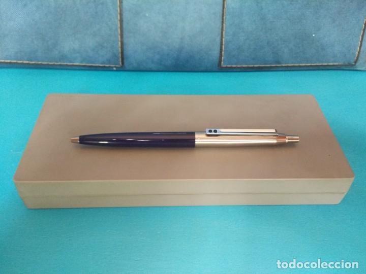 Bolígrafos antiguos: BOLÍGRAFO INOXCROM 55, AZUL Y ACERO - Foto 3 - 213609622