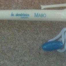 Bolígrafos antiguos: BOLÍGRAFO FORMA RARA HUESO. Lote 222787123