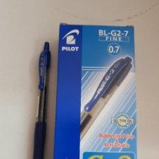 Bolígrafos antiguos: CAJA 12 BOLIGRAFOS PILOT G2 COLOR AZUL. Lote 223690180