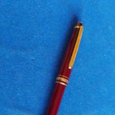Bolígrafos antiguos: T-481.- BOLIGRAFO- MONTBLANC - MEISTERSTUCK- GRANATE, SE ENVIA CON UNA CAJA MONTBLANC ,. Lote 235315555