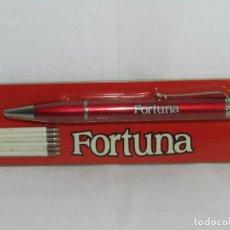 Bolígrafos antiguos: BOLIGRAFO - MECHERO CON PUBLICIDAD DE FORTUNA Y RECAMBIOS - NUEVO. Lote 265563259