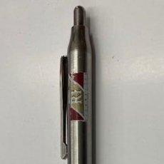 Bolígrafos antiguos: BOLIGRAFO INOXCROM CON PUBLICIDAD DE R1 CIGARRETTES. PEB-017. Lote 278345708