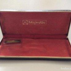 Bolígrafos antiguos: ANTIGUA CAJA DE BOLIGRAFO/PLUMA MODELO MAJESTIC. Lote 296824603