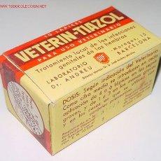 Botellas antiguas, cajas y envases: ANTIGUA CAJA DE CARTON DE MEDICAMENTO CON PUBLICIDAD DE FARMACIA . Lote 25730687