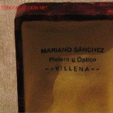 Botellas antiguas, cajas y envases: MARIANO SANCHEZ - VILLENA - PLATERO Y OPTICO. Lote 3782756