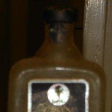 Botellas antiguas: BOTELLIN DE GINEBRA GREEN FISH.. Lote 15056505