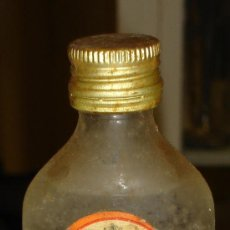 Botellas antiguas: BOTELLIN DE GORDON' S DRY GIN. LONDON.. Lote 7849374