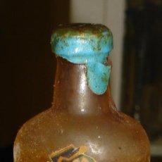 Botellas antiguas: BOTELLIN DE GREEN FISH NARANJA GIN. DIEGO ZAMORA CONDESA Y COMPAÑIA. CARTAGENA.. Lote 7859292