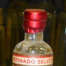 Botellas antiguas: BOTELLIN DE DOMECQ ANIS DULCE. PEDRO DOMECQ. JEREZ DE LA FRONTERA.. Lote 13486700