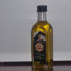 Botellas antiguas: MINI BOTELLITA DE ACEITE LLENA , MARCA PROMOCIONAL ( DEL QUESO GRAN CAPITAN ). Lote 26293790