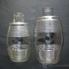 Botellas antiguas: DOS ANTIGUOS BOTES DE ACEITUNAS CARBONELL, 25 Y 23 CM. DE ALTURA, CRISTAL PRENSADO. Lote 26229543