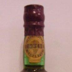 Botellas antiguas: BOTELLIN DE VINO DE OPORTO ROYAL OPORTO QUINTA DAS CARVALHAS.COMPANHIA VELHA. PORTUGAL.. Lote 14078304