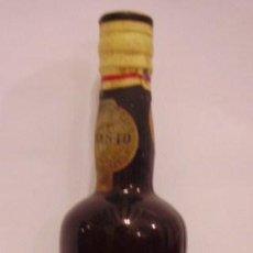Botellas antiguas: BOTELLIN DE VINO OPORTO LACRIMA CHRISTI. REAL CIA VELHA. VILA NOVA DE GAIA, OPORTO. PORTUGAL.. Lote 14092098