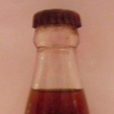 Botellas antiguas: BOTELLIN DE VINO VERMOUTH. DESTILERIAS MARTINI & ROSSI, TORINO. ITALIA.. Lote 14442372