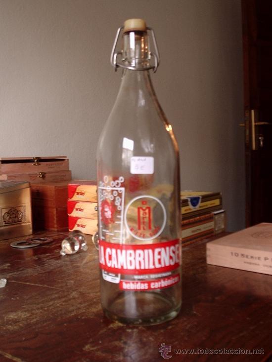 BOTELLA GASEOSA LA CAMBRILENSE,1 LITRO, SERIGRAFIADA, FCTE 5707. CORREOS 4 EUROS (Coleccionismo - Botellas y Bebidas - Botellas Antiguas)