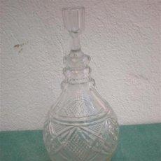 Botellas antiguas: BOTELLA DE LICOR TALLADO. Lote 16448617