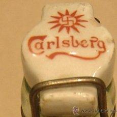 Botellas antiguas: BOTELLA SODA CARLSBERG CON SVASTICA. NO CERVEZA.. Lote 22190060