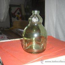 Botellas antiguas: PRECIOSA BOTELLA CRISTAL VERDE. INSCRIPCION - ZOILO RUIZ MATEOS S.A.-. Lote 27503828